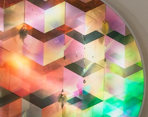 """איתן בן משה, פרט מתוך \""""Crystal Cubes\"""", קופסאת אור, 2012"""