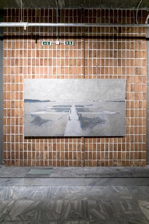 ايدي هيلا، جادة 1-6، 2015، زيت على قماش، منظر تنصيب، تورواخا، دوكومنته 14، تصوير: ميخائيل نست